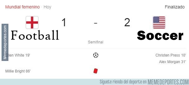 1079885 - Football 1 Soccer 2. El hijo le ganó al padre