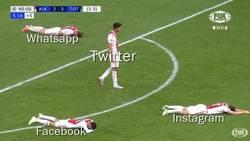 Enlace a El Ajax predijo las redes sociales de hoy