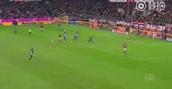 Enlace a Éste es Robben haciendo el mismo gol una y otra vez. Y aún así era imparable. Un grande