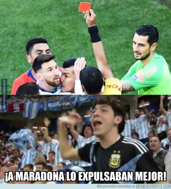1080394 - Los argentinos le reprochan la expulsión a Messi
