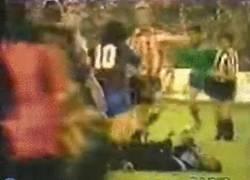 Enlace a Pues sí. Maradona también era mejor para pelear que Messi