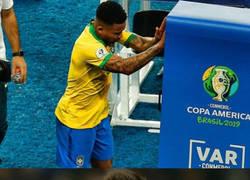 Enlace a Messi hubiese agredido con más fuerza al VAR