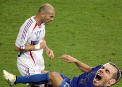 Enlace a 13 años después, sería otro el que recibiría un cabezazo de Zidane