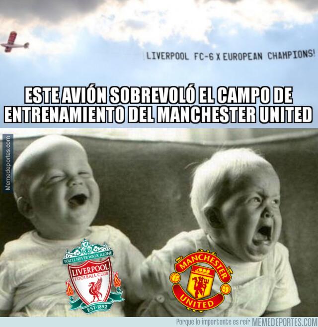 1080846 - Los fans del Liverpool restriegan su triunfo en la pretemporada del United