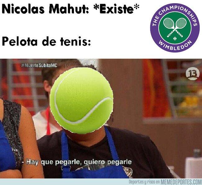 1081010 - Extraña obsesión de la pelota de tenis con el cuerpo de Nicolas Mahut