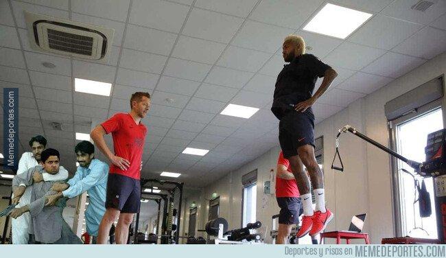 1081158 - El regreso a entrenar de Neymar