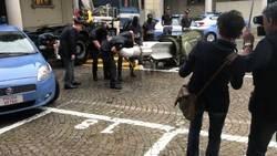 Enlace a Mientras tanta fans de la Juve preparando un pequeño cohete para celebrar el fichaje de De Ligt