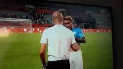 Enlace a BRUTAL: Esto hizo Guardiola con Aleix García tras terminarse un partido amistoso del Manchester City