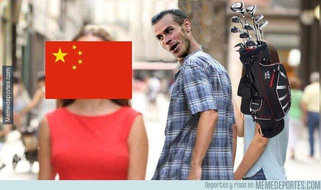 1081739 - A Bale le seduce jugar en China