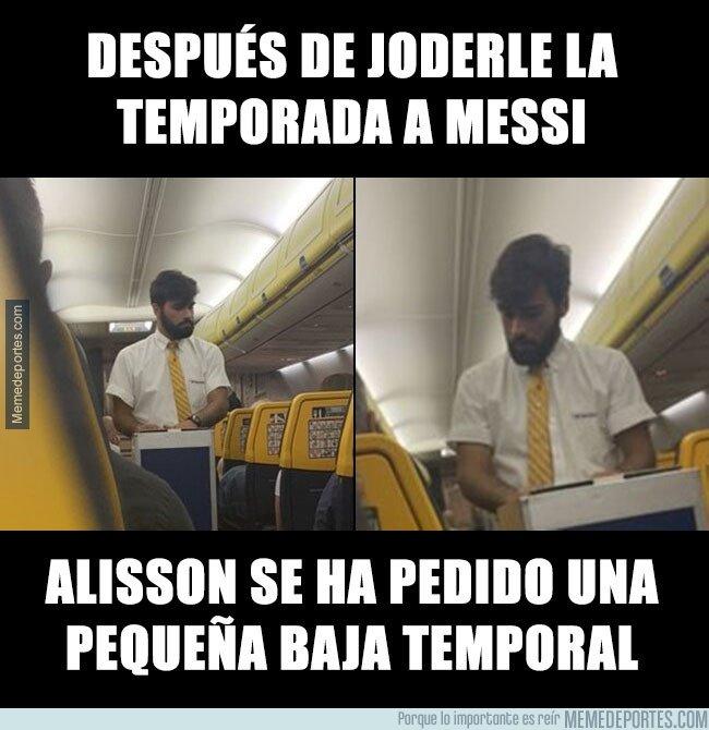1081903 - Después de joderle la temporada a Messi, Alisson se ha pedido una pequeña baja