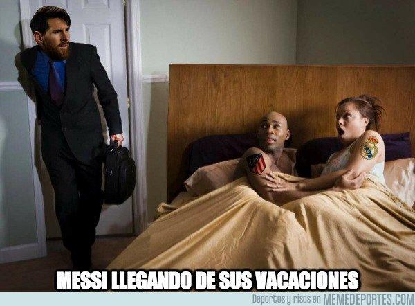 1082121 - Messi volviendo de sus vacaciones
