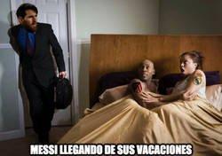 Enlace a Messi volviendo de sus vacaciones