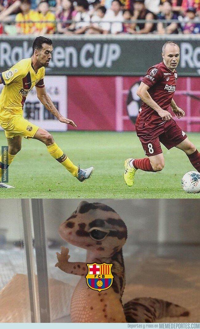 1082163 - Iniesta jugando CONTRA el Barça. La imagen del día.