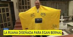 Enlace a Randomdeportes presenta... Una ruana como el maillot amarillo del Tour para Egan Bernal