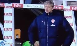 Enlace a No puedo olvidarme de aquel día en que Wenger no lograba encontrar su bolsillo