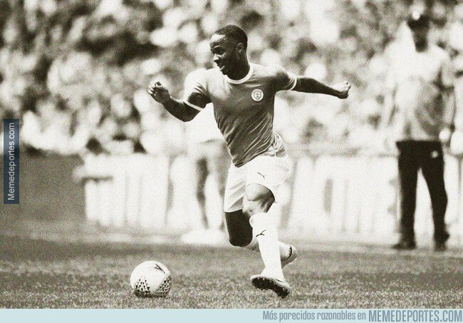 1082709 - Camiseta vintage del City + Filtro sepia = Una foto del futbol de los 60