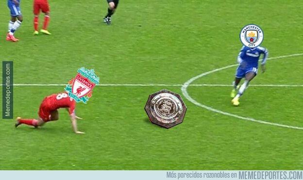 1082710 - Ultimamente el Liverpool resbala frente al City