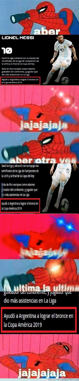 1082785 - La FIFA lo publicó sin reírse ni nada