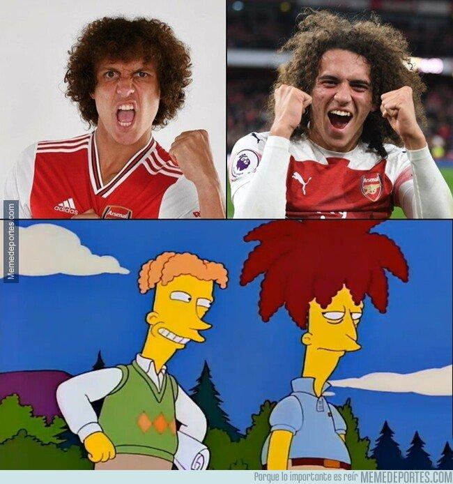 1083108 - Yo creo que David Luiz fichó por el Arsenal solo para revivir el chiste [otra versión]