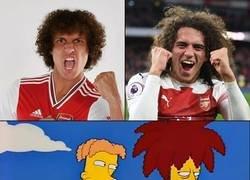 Enlace a Yo creo que David Luiz fichó por el Arsenal solo para revivir el chiste [otra versión]