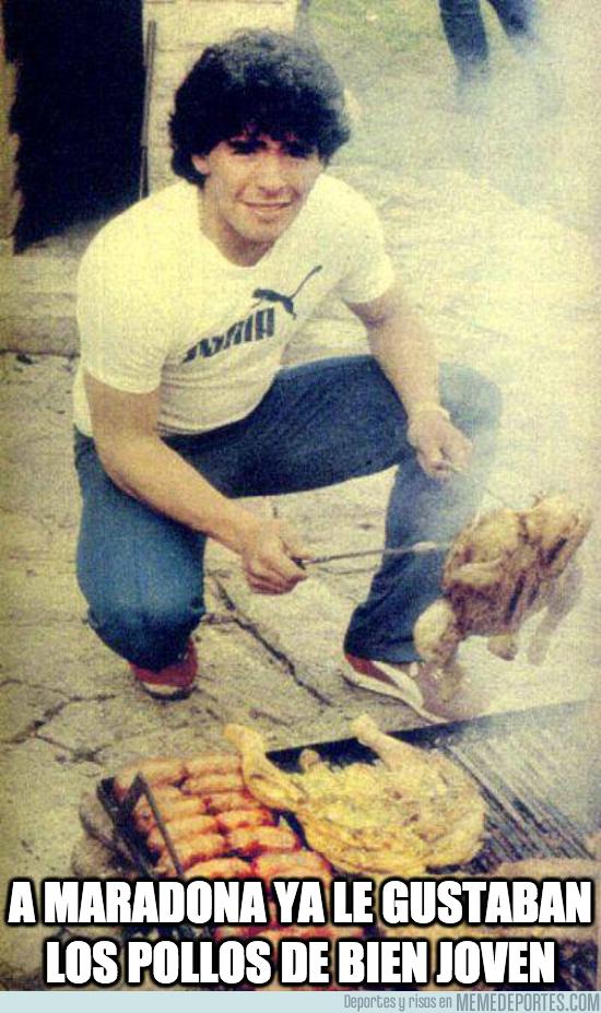 1083276 - A Maradona ya le gustaban los pollos de bien joven