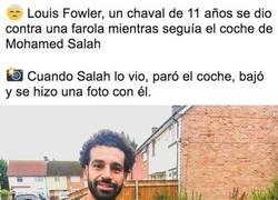 Enlace a Gran gesto de Salah, aunque le podía haber limpiado la sangre primero
