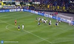 Enlace a El primer gol de De Rossi con Boca, el primero de muchos (?)