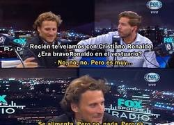 Enlace a La graciosa diferencia entre la belleza de Beckham y Cristiano según Forlán.