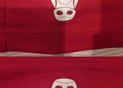 Enlace a El detalle del logo de los Chicago Bulls que nadie se había dado cuenta y que está haciendo explotar la cabeza a todos