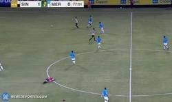Enlace a A esta árbitro de la segunda división mexicana le pilló un calambre y tuvieron que retirarlo del partido