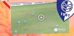 Enlace a Liada monumental en el partido del Metalac: No la tiran fuera y sucede un gol y 3 rojas directas en la misma jugada