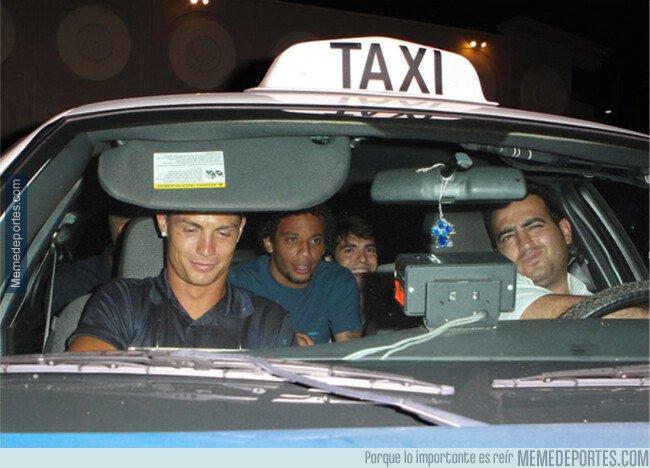 1084985 - Aquella vez que Marcelo, Cristiano y Kaká llegaron en un taxi...