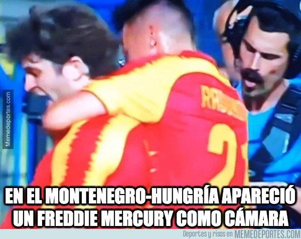 1085093 - En el Montenegro-Hungría apareció un Freddie Mercury como cámara