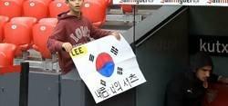 Enlace a La penosa actitud de Kang in Lee, jugador del Valencia, con un niño fan de él