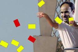 Enlace a Mateu Lahoz durante el Barça-Sevilla