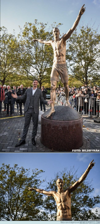 1087971 - La impresionante estatua que le hicieron a Ibrahimovic en Malmö
