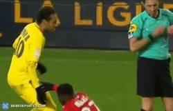 Enlace a Nunca es un mal momento para recordar el mejor regate que alguna vez se inventó Neymar