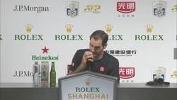 Enlace a El Zasca que le metió Federer a un periodista sobre un enfado suyo en el partido.