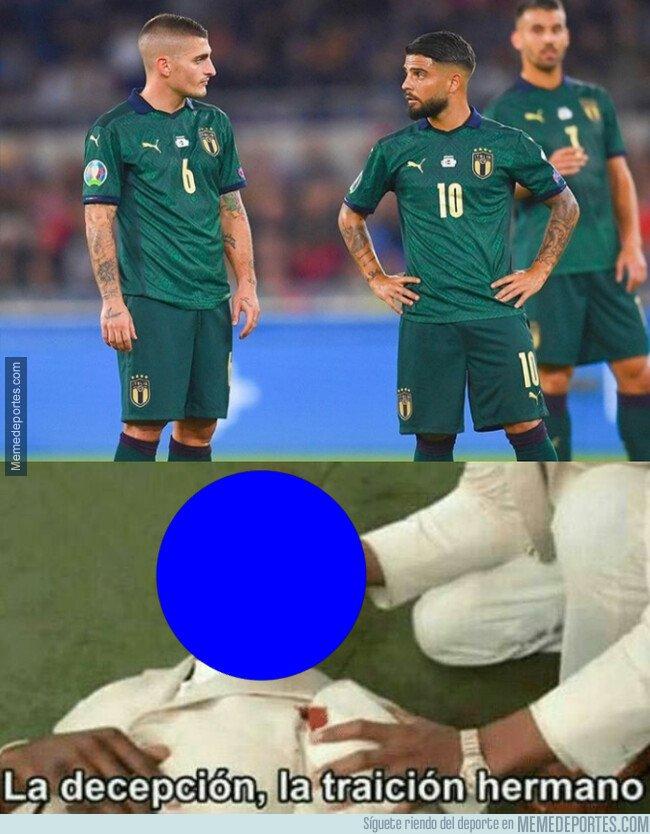 1088405 - Qué extraña se ve la selección italiana vestida de verde