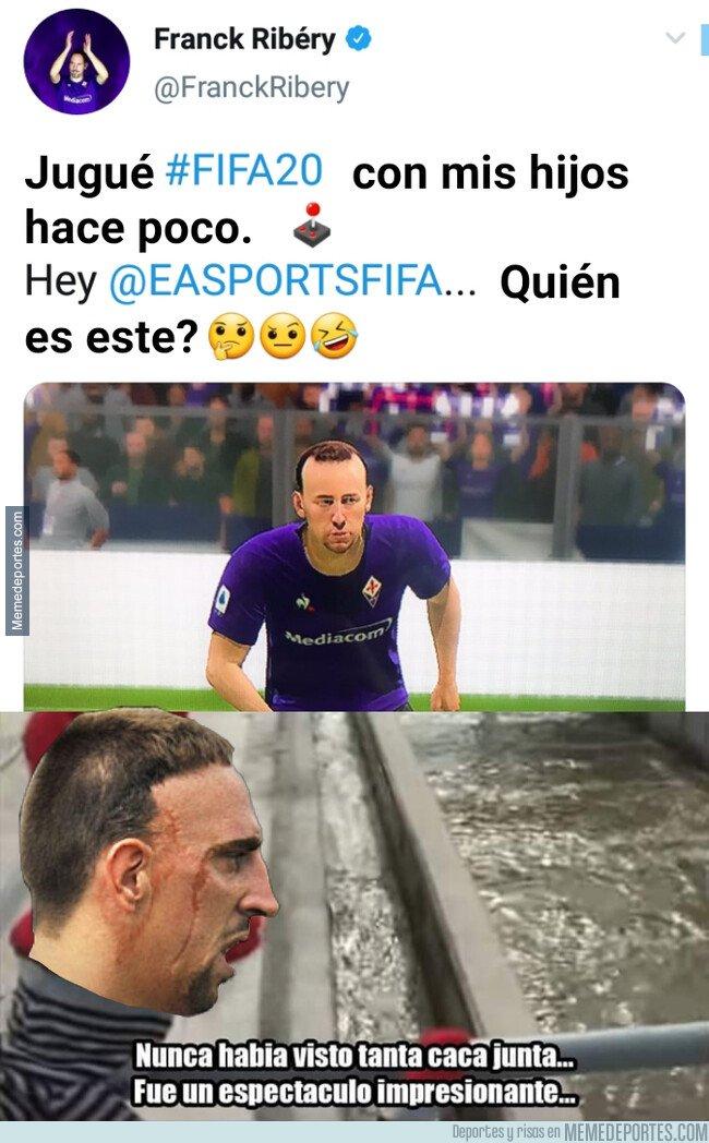 1088692 - A Ribery no le acaba de convencer su cara en FIFA 20