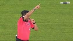 Enlace a Antirecord: El portero Serkan Kirintili del Konyaspor turco fue expulsado a los 13 segundos de partido