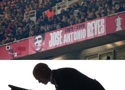 Enlace a El Arsenal recordó la figura de José Antonio Reyes en su último partido de Europa League