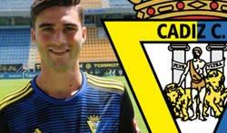 Enlace a Escándalo tremendo: estos son los tuits de David Carmona, futbolista del Cádiz, que ha escrito contra las casas de apuestas y que le han obligado a borrar
