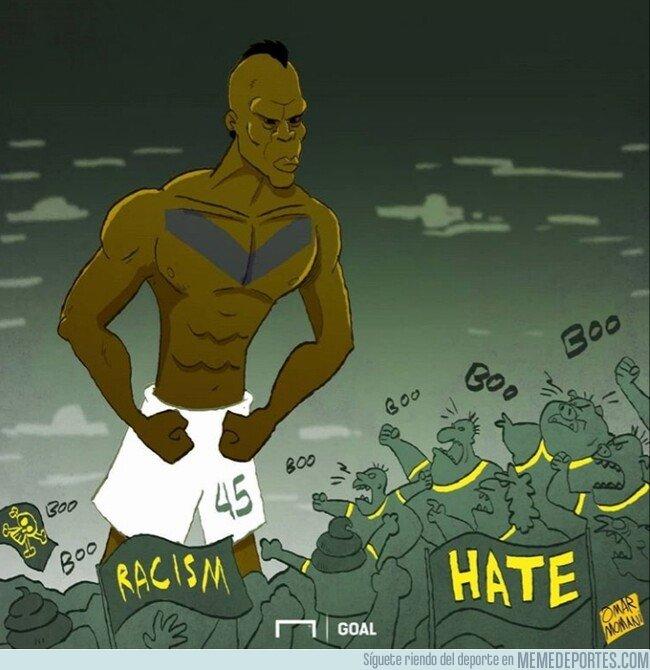 1090023 - Balotelli le marcó un golazo al racismo, por @goalglobal