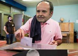 Enlace a Encuentran en Talavera un voto con la foto de Mourinho. Tenemos a un principal sospechoso.