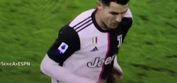 Enlace a El brutal enfado de Cristiano tras ser sustituido en el minuto 55 del que toda Italia está hablando