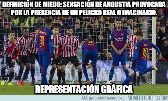 1090828 - Nada más peligroso que ver a Messi lanzar una falta