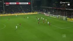Enlace a Se armó la de Dios en Alemania cuando el capitán del Frankfurt arroyó al entrenador del Freiburg. Así sí.