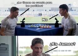 Enlace a Valverde y James jugando al quién es quién