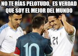 Enlace a Cavani no le cree a Messi